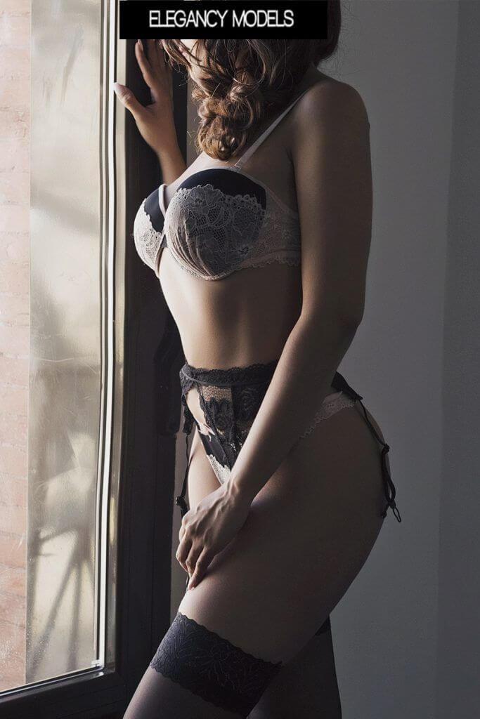 Amanda elegancymodels